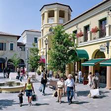 Fidenza village milanocard the smartest way to travel for Outlet village milano